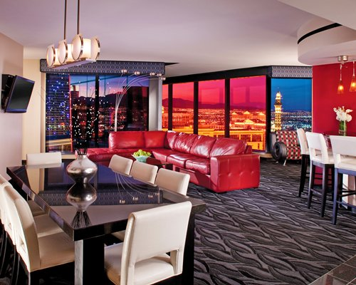 Buy elara a hilton grand vacations club timeshare rentals for Elara las vegas 4 bedroom suite