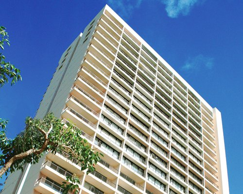Honolulu timeshare rentals Wyndham royal garden at waikiki
